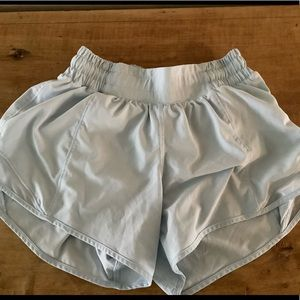 Lululemon Hotty Hot short size 2 long